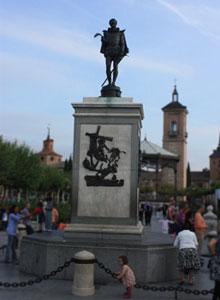 Cervantes en Plaza de Cervantes